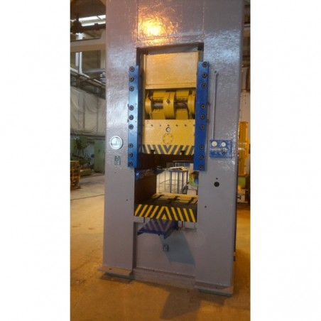 Prensa troqueladora  de extruir BARNAUL K0034 250 t