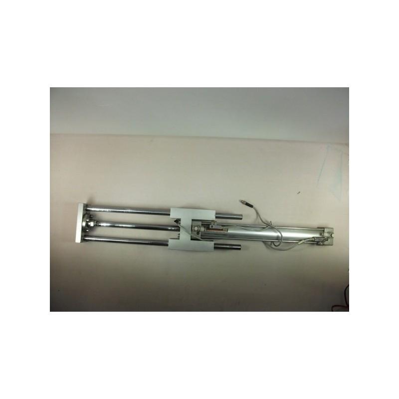 Cilindro con racores y detectores de posición SMC C95SDB40-300-XGUM